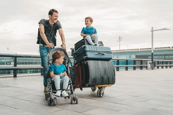 Pullmantur Cruceros y Correos Express ponen en marcha un servicio de recogida y envío de maletas desde el Puerto de Barcelona